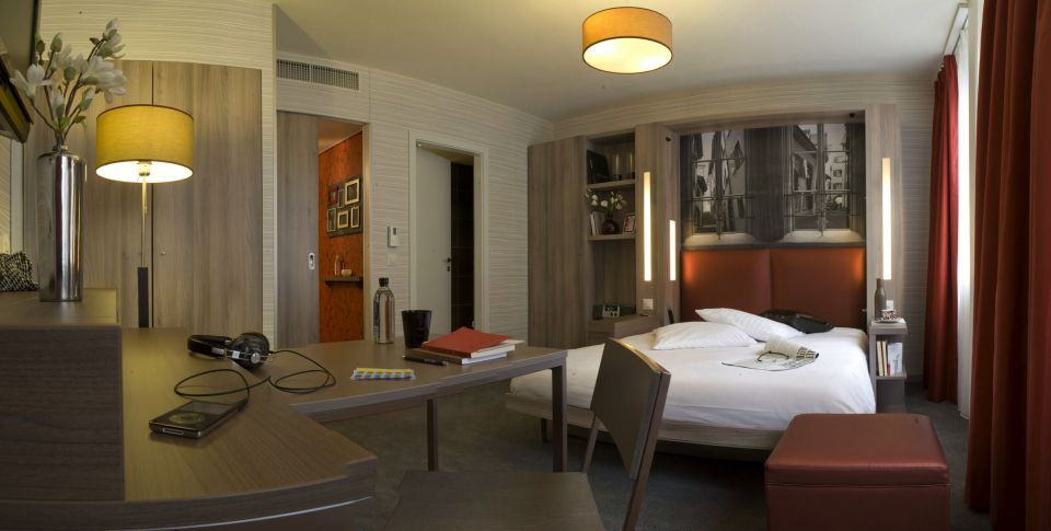 Adagio Basel City Aparthotel Room